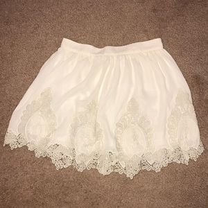 Tobi white lace skirt